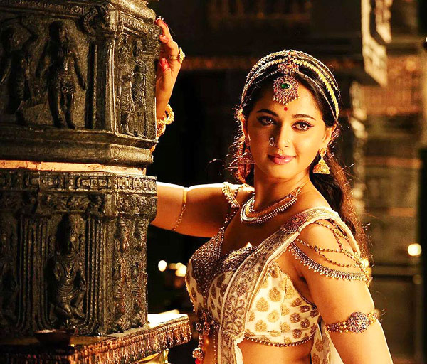 anushka shetty cute wallpapers