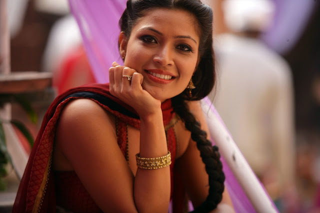 Amita-Pathak-Wallpapers